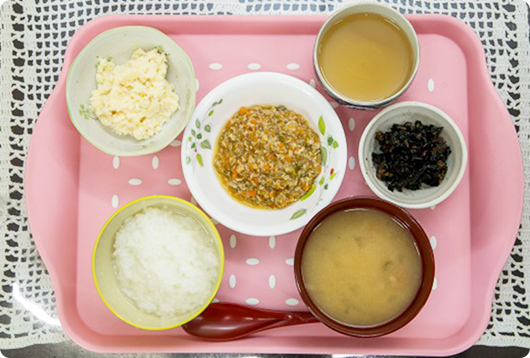 写真:栄養のバランスのとれた食事の献立例の写真